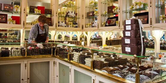 560px_Chocolate-belga_visitflanders_cPieter-Heremans1