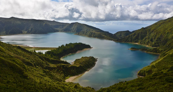 R-01-azores-Lagoa-do-Fogo-on-Sao-Miguel-in-the-Azores-of-Portugal-on-the-planet-Earth-Jwp1234