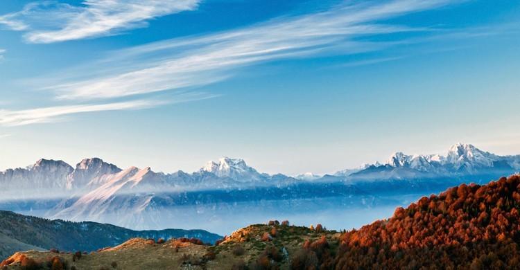 Montagne innevate di Crosetta del Consiglio, Italia.