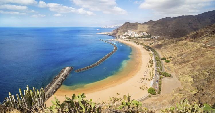 7-iStock_Las-Teresitas-Tenerife