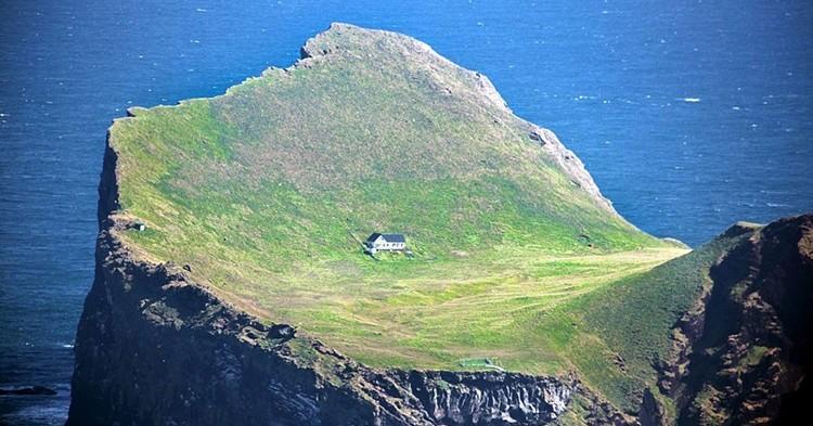 Ellidaey_Island_Iceland-750x393