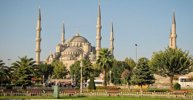 mezquitaAzul-750x390