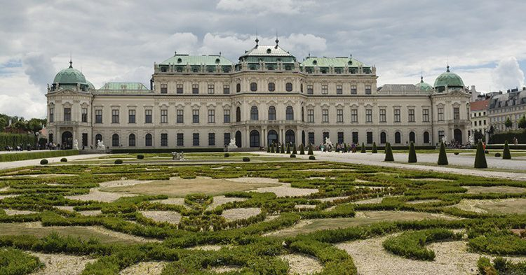 istock_belvedere-palace