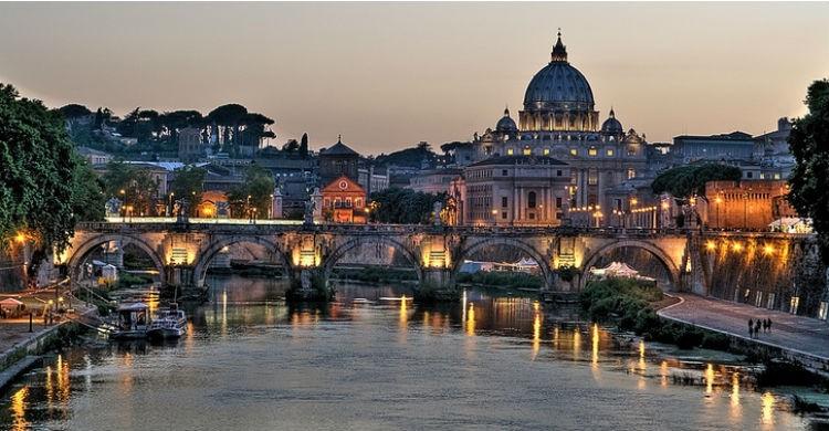 Ciudad-del-Vaticano-A-H-T-Flickr
