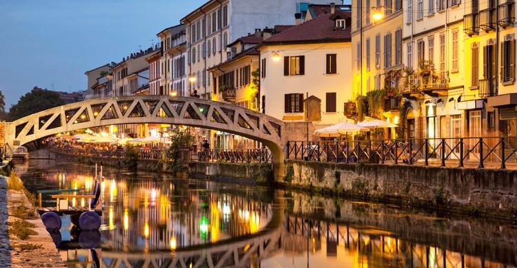puente-sobre-el-canal-naviglio-grande