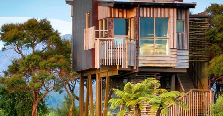 hapuku-lodge-tree-houses-750x393