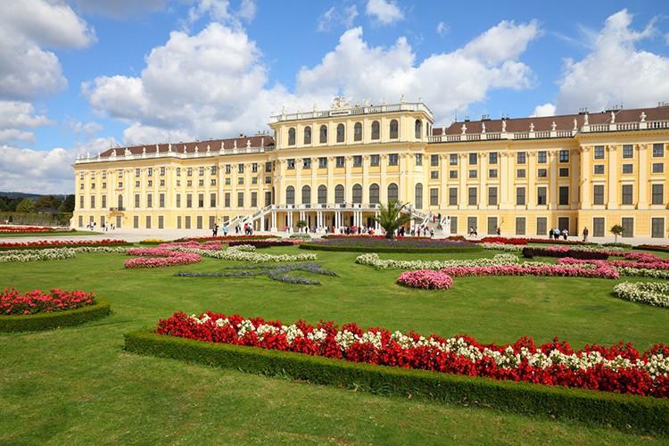 istock_palacio-de-schoenbrunn