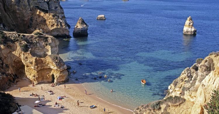 Praia-da-Rocha-iStock