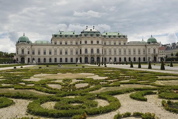 istock_belvedere-palace