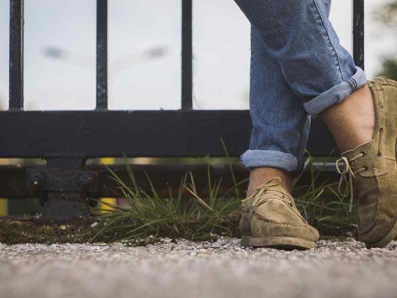 Le 10 scarpe più comode per viaggiare  provale tutte! cf3af89458f