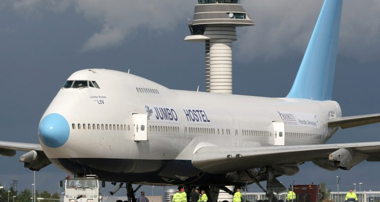 JUMBO STAY il pazzo ostello ospitato su un Boing 747-