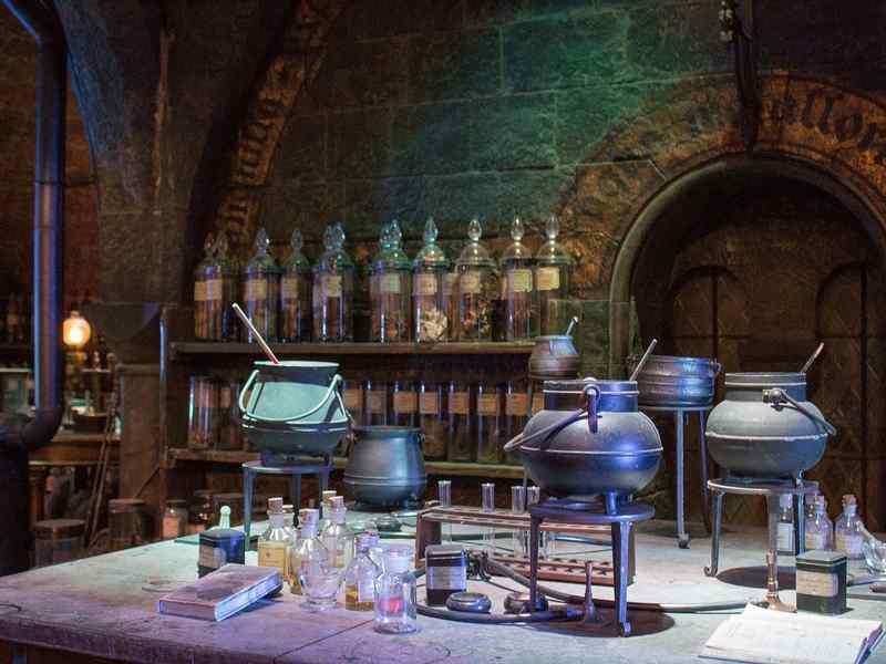 Camera Da Letto Stile Harry Potter : Letto a baldacchino harry potter