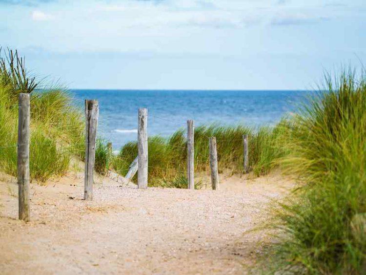 Più diritti per i bagnanti, spiagge liberate dai giudici