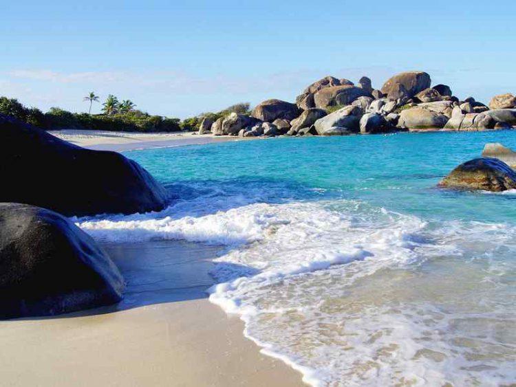 Le 5 spiagge dove l'acqua è più blu-