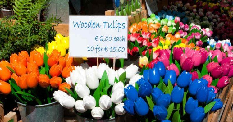 Mercato dei fiori, tra colori e essenze nel cuore di Amsterdam