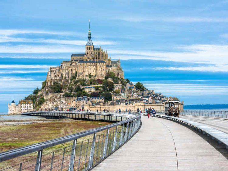 Mont Saint Michel, la baia teatro di imponenti maree-
