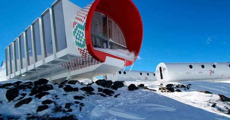 Bivacco Gervasutti, il rifugio 2.0 in cima al Monte Bianco