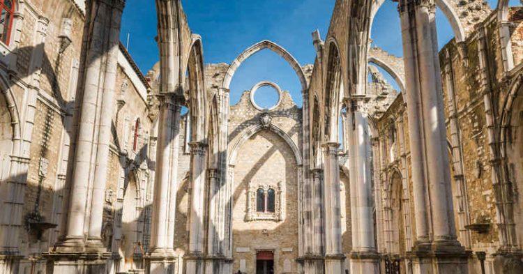 Lisbona, alla scoperta della suggestiva chiesa gotica