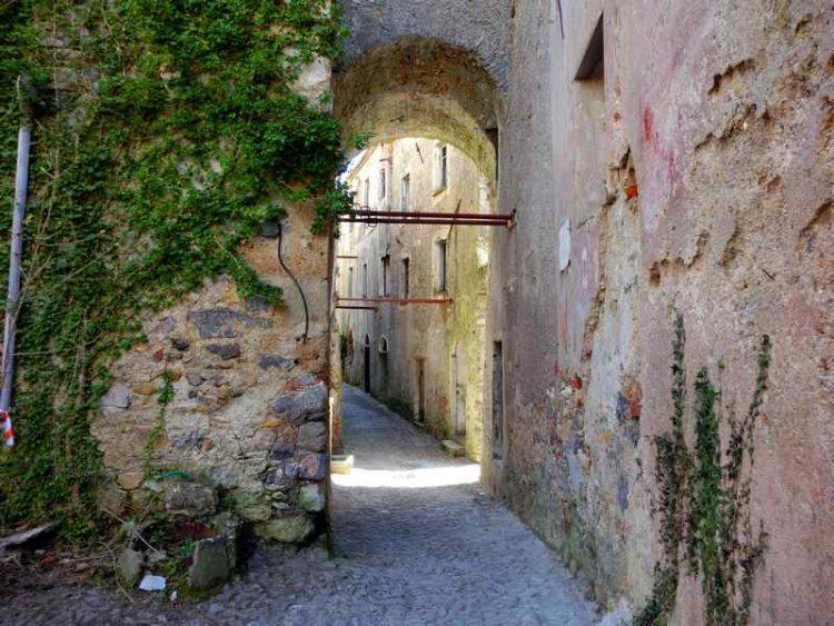 Savona il borgo abbandonata che sembra un film
