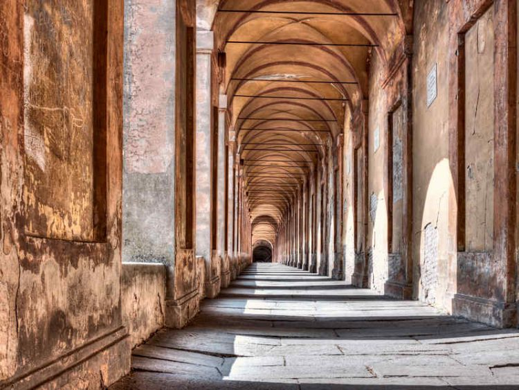 Portico di San Luca a Bologna, 10 curiosità