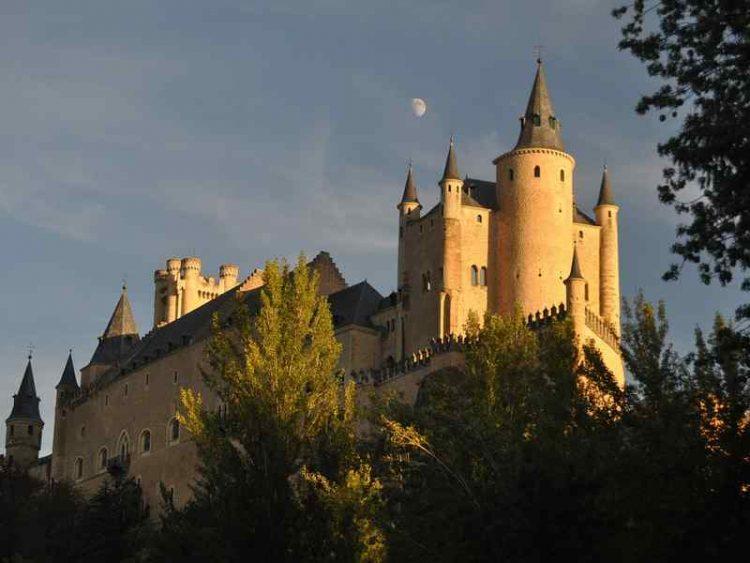 Castelli che sembrano usciti da un cartone animato di Disney